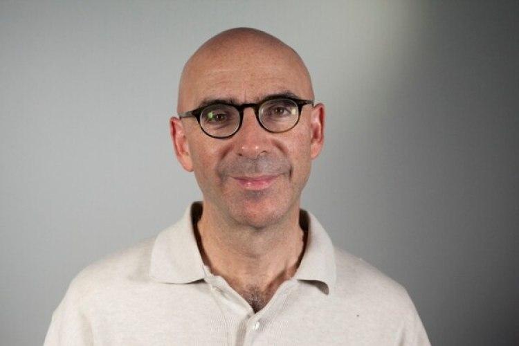 """Joseph Romm es autor de """"How to Go Viral and Reach Millions"""" y un experto en comunicación."""