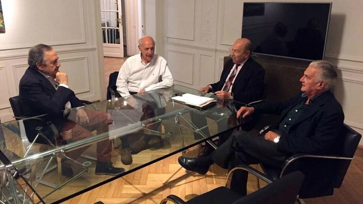Acercamiento a la UCR: Roberto Lavagna con Ricardo Alfonsin, Jorge Sappia y Juan Manuel Casella