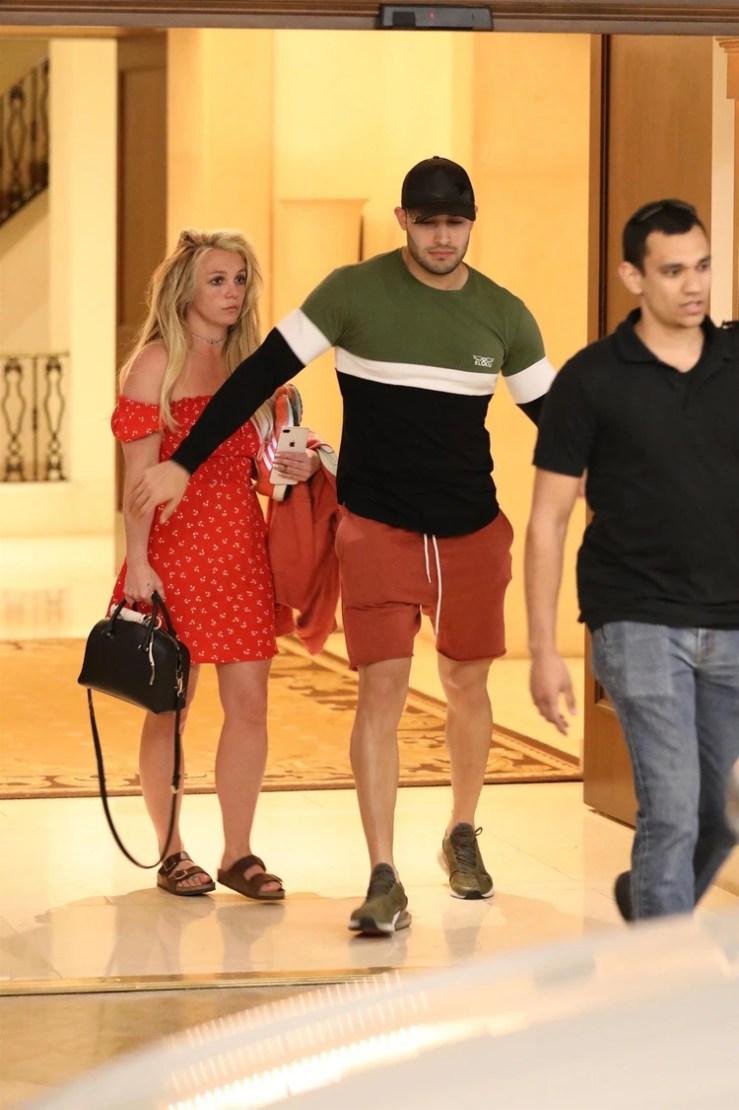 Britney Spears con su novio Sam Asghari (The Grosby Group)