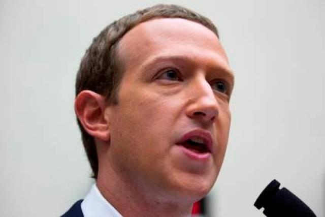 En la imagen, el cofundador y consejero delegado de Facebook, Mark Zuckerberg. EFE/MICHAEL REYNOLDS/Archivo