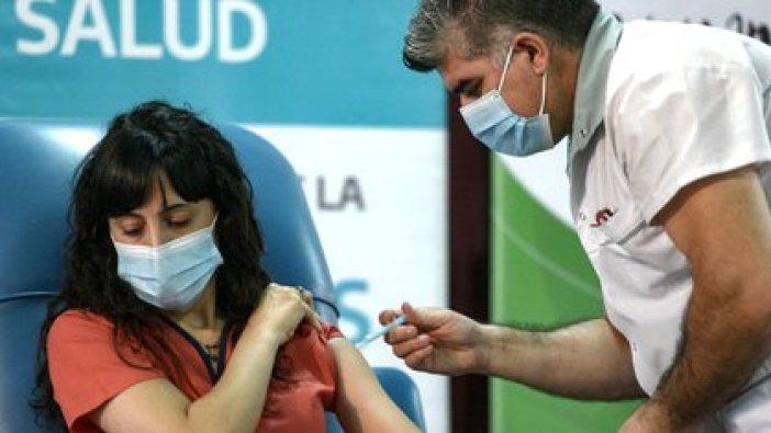 Personal de salud del Hospital Fiorito, de Avellaneda, se aplicó la primera dosis de la Sputnik V (Adrián Escandar)