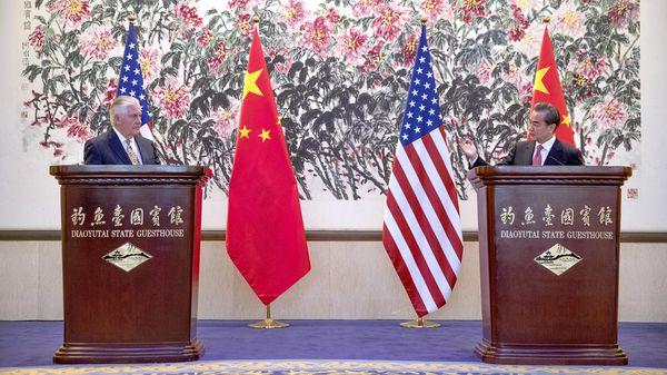Rex Tillerson participa de una visita oficial en Pekín (Reuters)