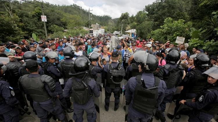 El gobierno mexicano anunció que garantizará el paso seguro y ordenado de migrantes. (Foto: Reuters)