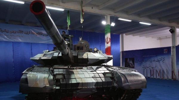 El tanque puede dispara misiles y guiarlos con precisión