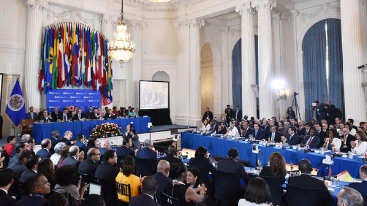 Argentina, Brasil, Canadá, Chile, EEEU, México y Perú pidieron suspender a Venezuela de OEA (AFP)