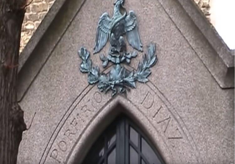 Desde hace casi 100 años, el expresidente tiene su tumba en el cementerio de Montparnasse (Foto: captura de pantalla)