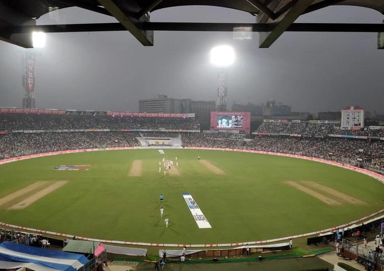 El partido entre India y Bangladesh despertó pasión entre los fanáticos del cricket (REUTERS/Amlan Chakraborty)