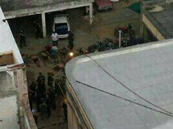 Vista aérea del patio de la comisaría de Pergamino donde murieron siete presos por un incendio