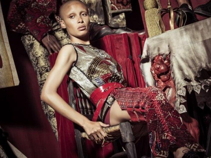 Making off de la modelo y activista feminista angloghanesa Adwoa Aboah. (Gentileza Pirelli)