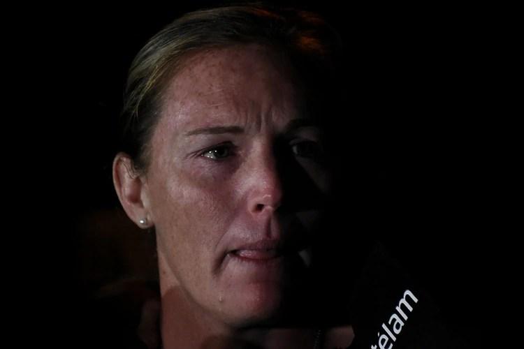 Jennifer Dahlgren no pudo contener sus lágrimas por el dolor que le causó la muerte de su amigo (Foto: Nicolás Stulberg)