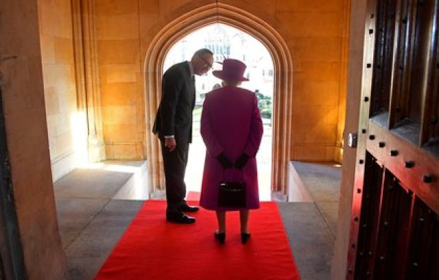 La reina Isabel II en Londres el 13 de diciembre de 2018