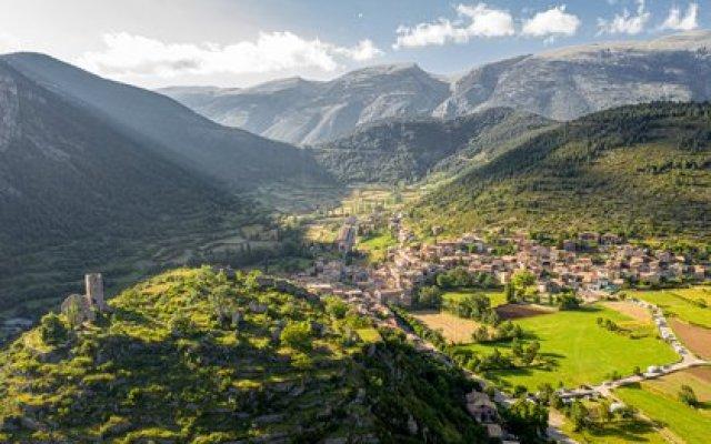 Gósol está ubicado en la rica región autónoma de Cataluña, en un majestuoso valle en los Pirineos (Shutterstock)