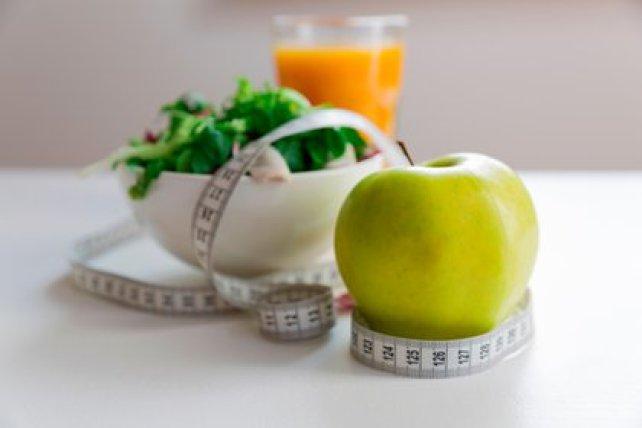 Durante muchos años, en las dietas de moda para bajar de peso se han suprimido hidratos de carbono, grasas, proteínas y también se han agregado hidratos, grasas, proteínas (Shutterstock)