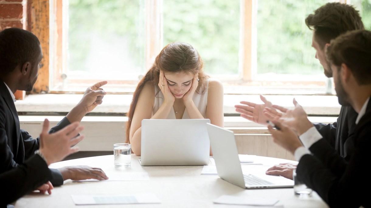 Una de cada cinco mujeres que experimentaron discriminación tenía tres veces más probabilidades de reportar depresión clínica en los cuatro años posteriores a sus experiencias, en comparación con sus pares