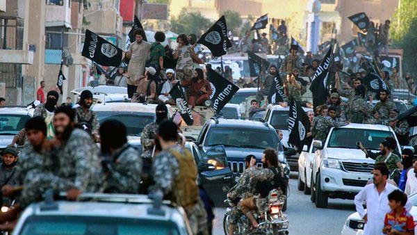 Las FSD intentan liberar a Raqqa de la presencia yihadista (AP)