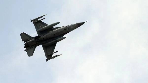 Un avión F-16 (AP)