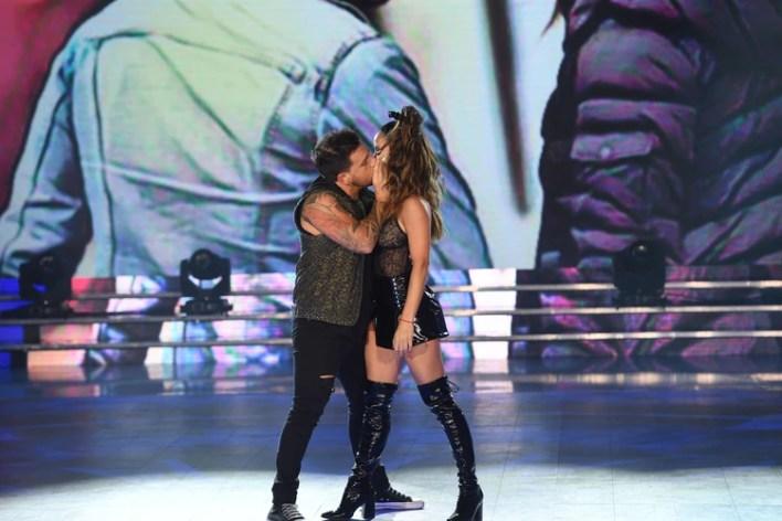 El beso de Fede Bal y Lourdes Sánchez