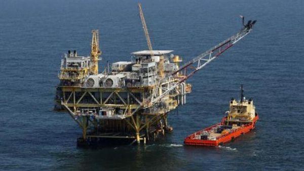 Una plataforma petrolera similar a las utilizadas en Marjan (AP)