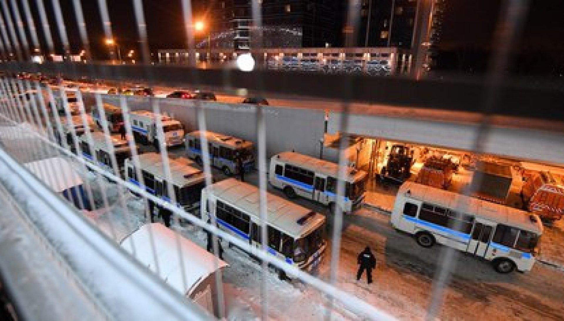 Despligue policial en el aeropuerto moscovita (AFP)