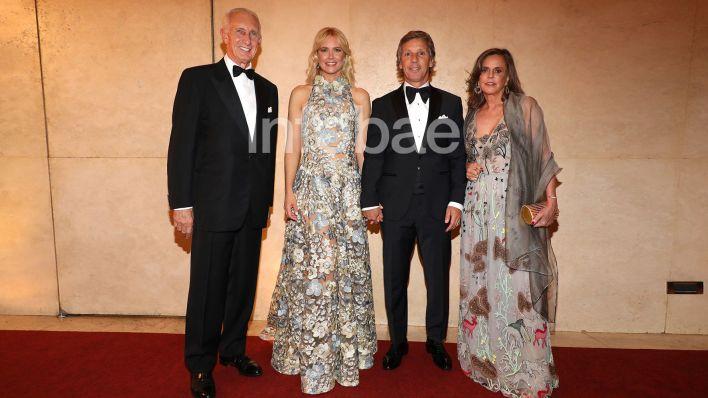 Gala Hospital Austral Jorge Neuss y mujer Silvia Saravia marca