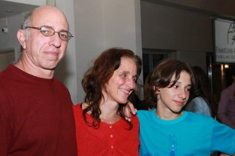 Mariana junto a su hijo Felipe y su pareja, Marcelo