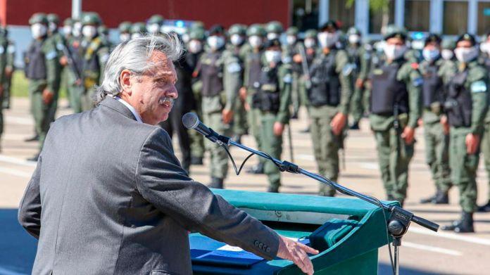 Alberto Fernandez - acto en Gendarmeria