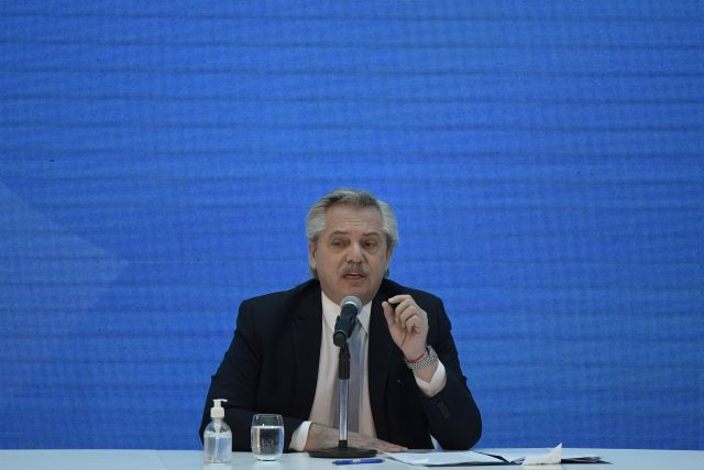 Alberto Fernández definirá el nuevo decreto mañana. Las medidas empezarán a regir a partir del sábado (2020 POOL / POOL)