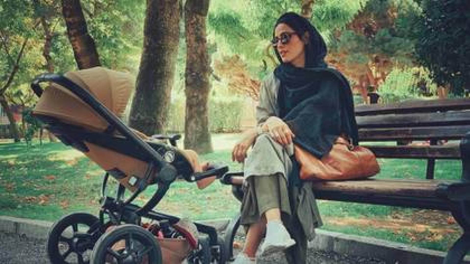 Shabnam Shahrokhi junto a su bebé