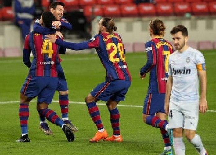 Lionel Messi igualó el récord que mantenía Pelé en el último partido contra el Valencia (Reuters/ Albert Gea)