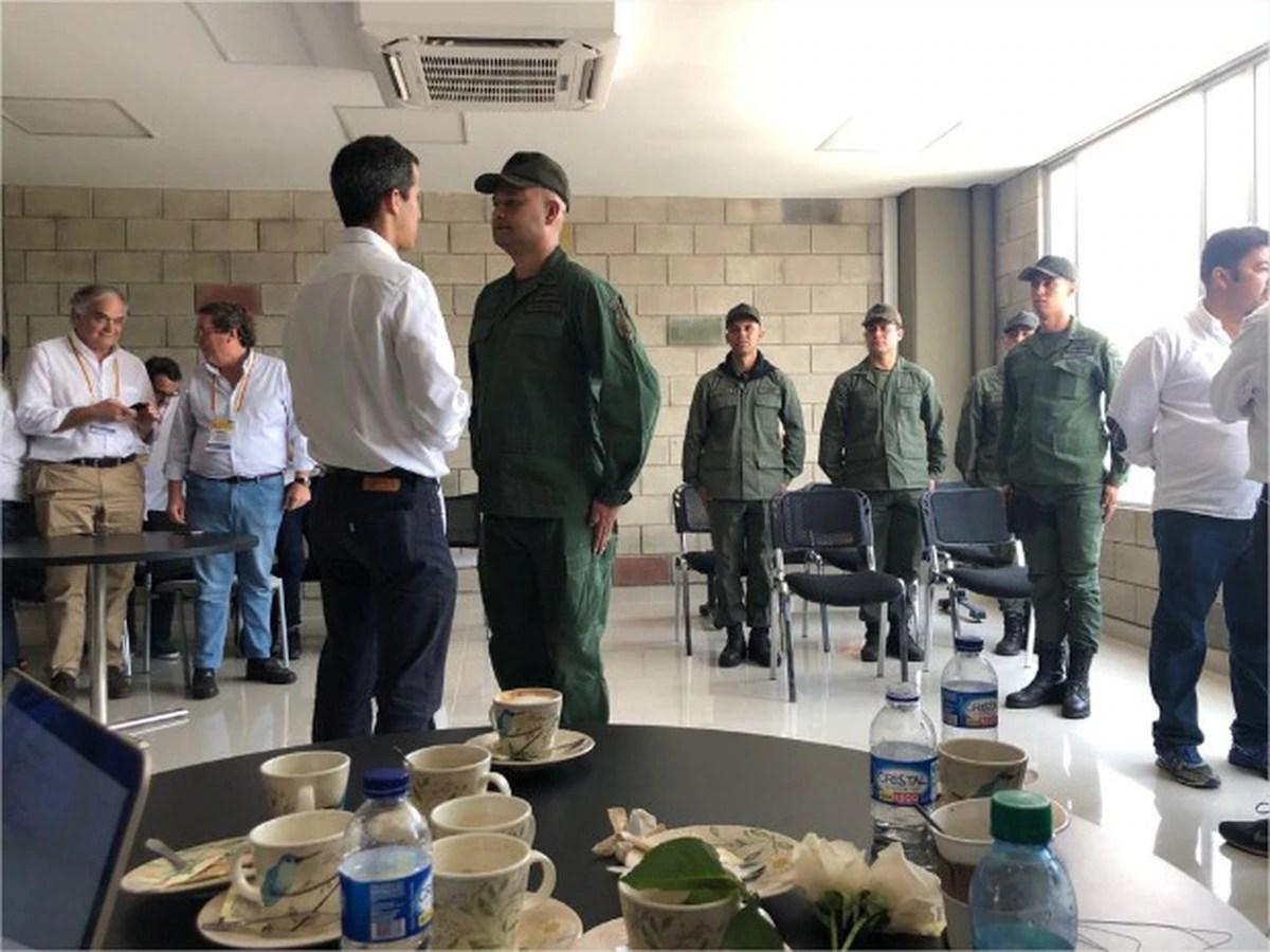La maniobra de Maduro para que los militares desertores vuelvan a Venezuela: les promete libertad plena si se manifiestan contra Guaidó