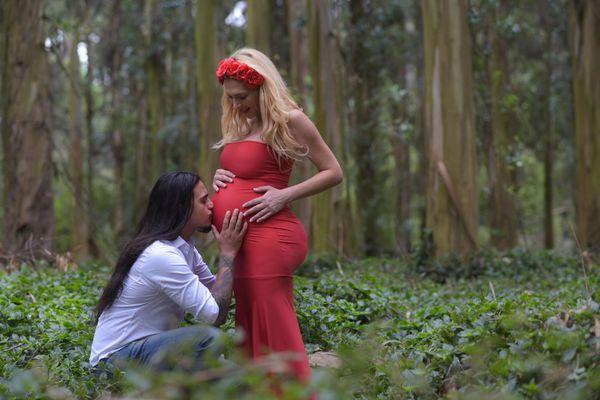 Lorena Liggi, embarazada, junto a Leandro Ángelo