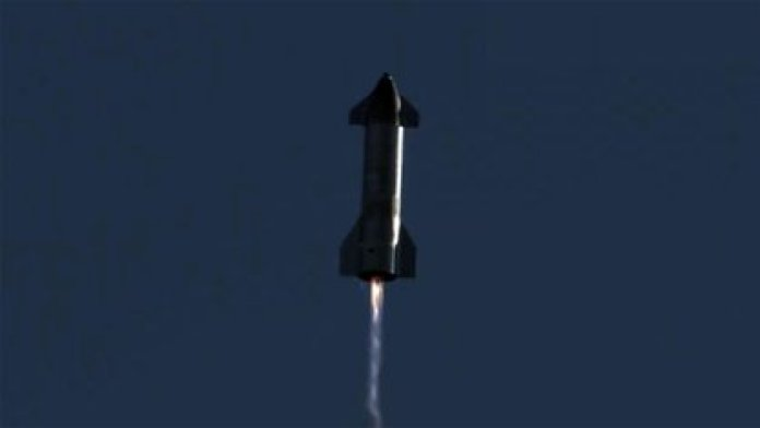 La nave SN8 del proyecto Starship de SpaceX durante su vuelo de prueba el pasado 9 de diciembre.