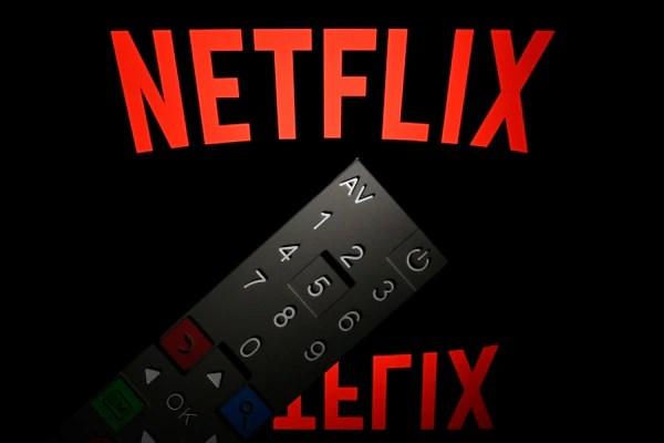 Netflix se está llevando a los espectadores (Photo by Lionel BONAVENTURE / AFP)