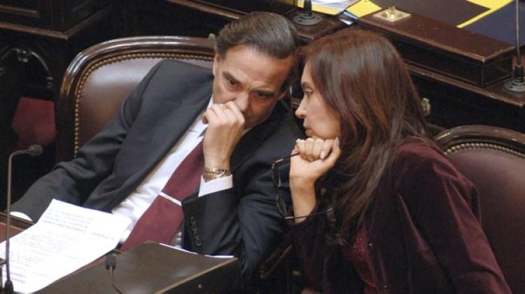 Otros tiempos. Miguel Pichetto dialoga con Crisstina Kirchner en el Congreso (NA)