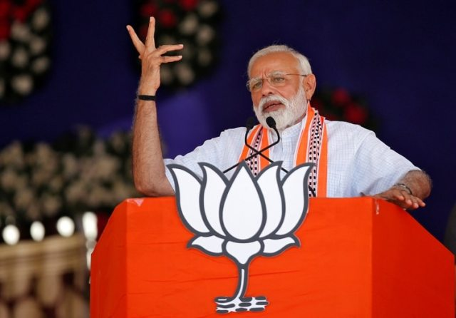El primer ministro indio Narendra Modi durante un acto de campaña en Junagadh (REUTERS/Amit Dave)