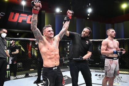 Poirier se llevó la victoria ante Dan Hooker en su última pelea en junio del 2020 (USA TODAY Sports)