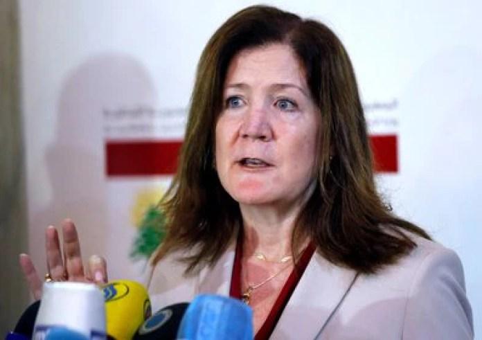 Dorothy Shea, embajadora de Estados Unidos en El Líbano, durante una rueda de prensa en Beirut el 29 de junio de 2020. REUTERS/Mohamed Azakir