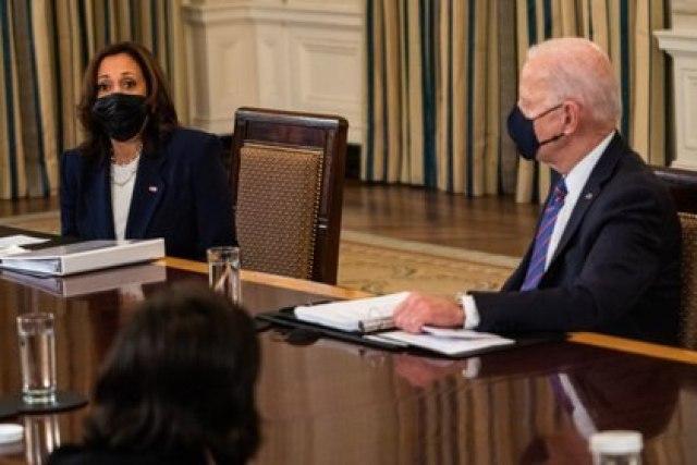 President Joe Biden and U.S. Vice President Kamala Harris during a meeting sobre inmigración y la frontera en el Comedor Estatal de la Casa Blanca el 24 de marzo de 2021. Foto por Demetrius Freeman. Washington Post