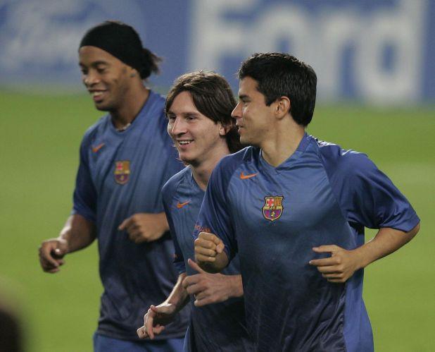 En el Barcelona compartió momentos con Lionel Messi y Ronaldinho (Shutterstock)