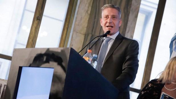 Arcioni le pidió ayer la renuncia a su jefe de Gabinete