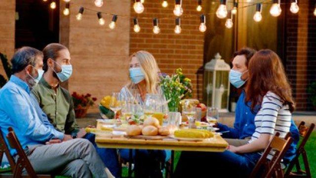 Avisar a todos los que hayan compartido la reunión que si en los días posteriores tienen algún síntoma avisen para que se pueda hacer el diagnóstico rápido