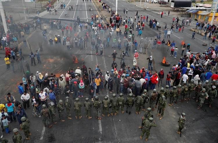 Hubo cortes de calles y carreteras en todo el territorio (Reuters)