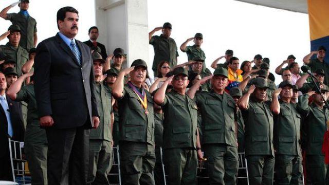 Maduro, presidente de un gobierno que depende cada vez más del poder militar