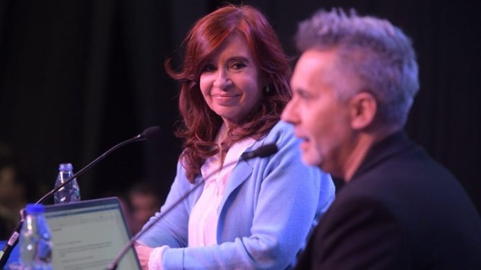 Cristina Kirchner y Marcelo Figuera en la presentación del libro 'Sinceramente' en Rosario (Prensa Unidad Ciudadana)
