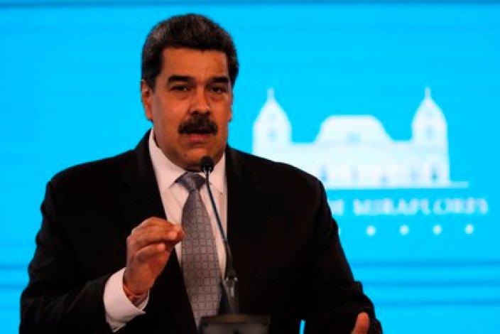 El presidente de Venezuela, Nicolás Maduro, utiliza las redes sociales para difundir mensajes. EFE/ Miguel Gutiérrez/Archivo