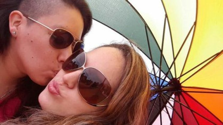 A la izquierda, Yanina Hidalgo. A la derecha Ana Lupinacci