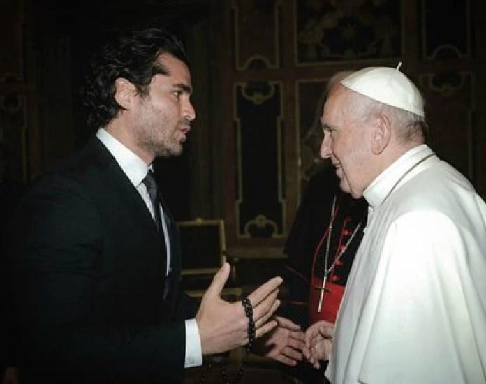 Together with Pope Francis (Instagram: eduardoverastegui)