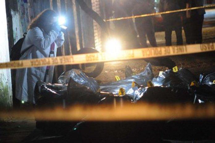 Los asaltantes solamente pudieron llevarse algunos billetes (Foto: Luis Carbayo/Cuartoscuro)