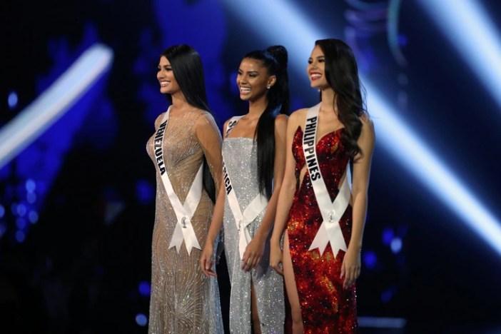 Las tres finalistas: Miss Venezuela Sthefany Gutiérrez, MissSudáfricaTamaryn Green y Miss Filipinas Catriona Gray. (REUTERS/Athit Perawongmetha)