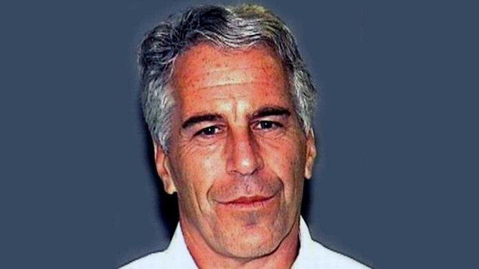 Jeffrey Epstein en una foto de prontuario de 2011